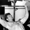 Як правильно качати грудні м`язи: корисні поради для початківців