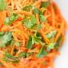 Як приготувати салат з корейською морквою