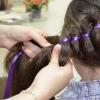Як вплести стрічку в косу?
