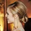 Які можна зробити вечірні зачіски на середні волосся