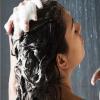 Чи можна мити голову милом?