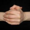 """Чи шкідливо хрустіти пальцями? Теорії """"за"""" і """"проти"""""""